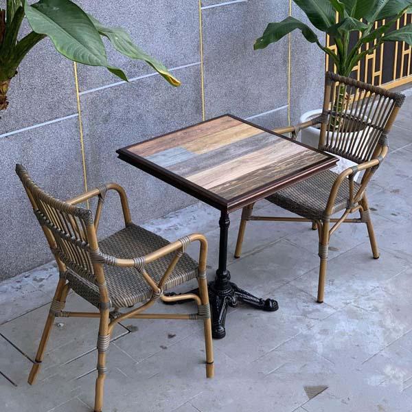 bàn ghế sân thượng